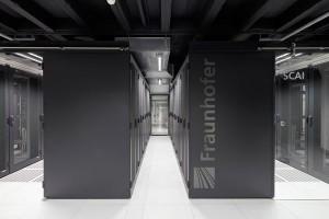 Datenübertragung mit Licht soll Rechenzentren effizienter machen