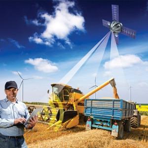 Künftig können Landmaschinen miteinander kommunizieren, lassen sich per Smartphone oder Tablet steuern. © Fraunhofer IESE
