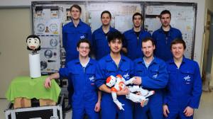 SoziRob: Mensch und Roboter meistern Isolation spielend