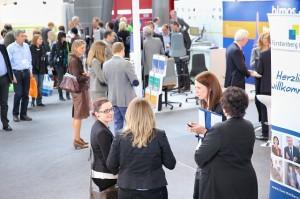 Networking & Erfahrungsaustausch auf der Corporate Health Convention 2014. (Foto: © Foto Pfluegl / spring Messe Management)