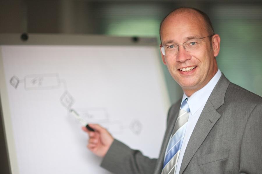 Henning Zeumer, Turnaround in Projekten, Projektmanagement, Run the Business, Change the Business