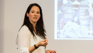 Julia Kamenik, Missverständnisse, Kommunikation, Feminess