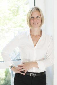 Anke van Beekhuis, Geschlechterausgewogenes Management, Organisationsberaterin, Coach, Vortragende, Autorin, Strukturberatung, Strategieentwicklung, Führungskräfteentwicklung, Change Management, Buchverlosung