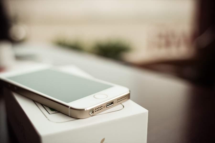 Gold als einer der wichtigsten Vermögenswerte. Metaphorisch umgesetzt in Apples iPhone 5s.