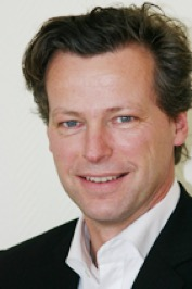 Dr. Andreas Schröder, Zahnarzt, Implantologe, Parodontologe, gesunde Zähne, schöne Zähne, Zahnästhetik, Zahnmedizin, Implantologie, medentes