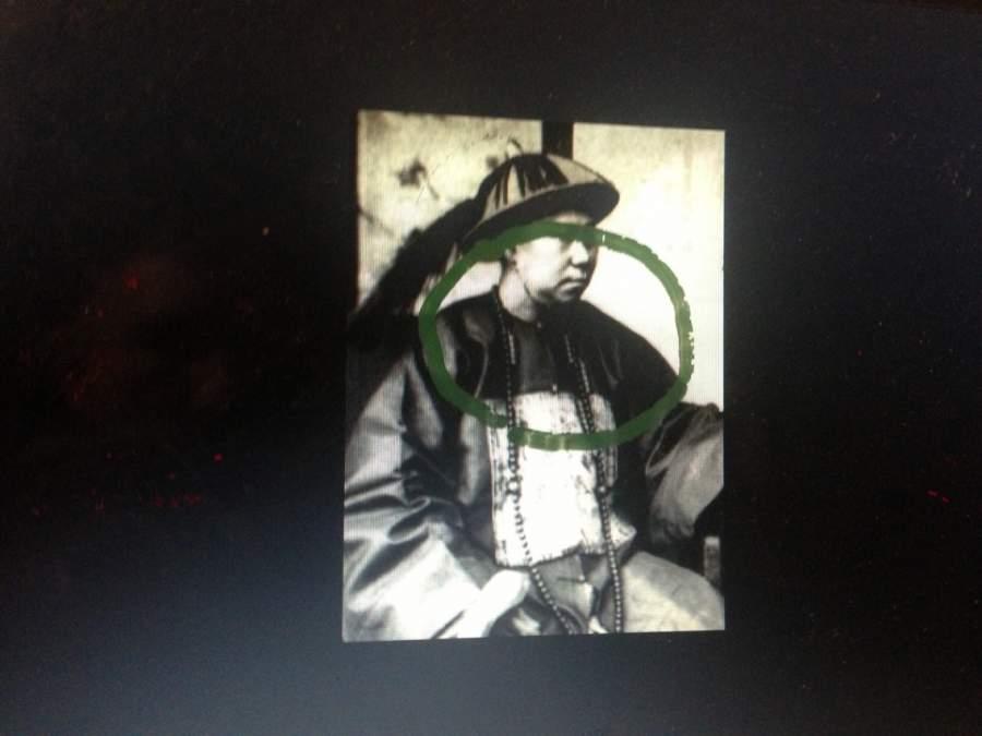 Schwarz-Weiss-Foto vom Kaiser vom China dem Land gelang mehrmals ein Neuanfang