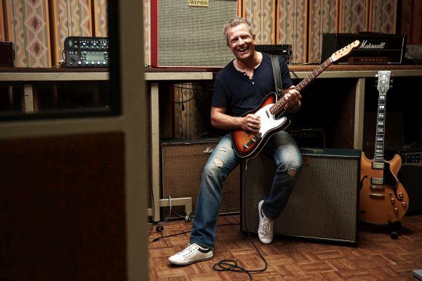 Andreas Enrico Brell, More than Money, Lebensgefühl, Gelddenken, Kopf und Konto, E-Gitarre, Tonstudio, Mehr Geld und mehr Leben