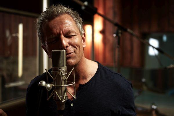 Andreas Enrico Brell, Singen, Mikrofon, Musik, Leidenschaft, Ausgeglichenheit für Kopf und Konto