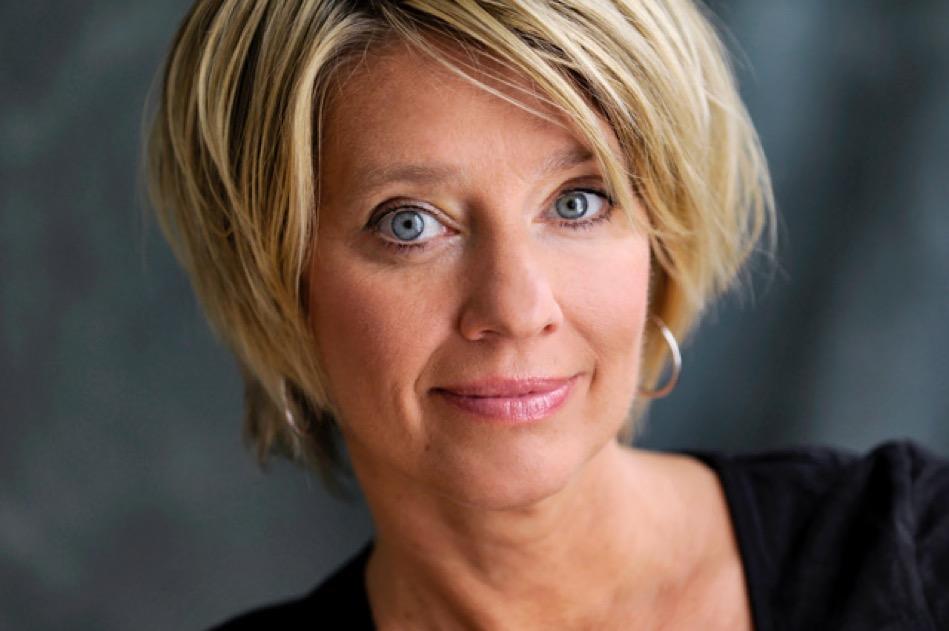 Karin Seven, Persönlichkeitsentwicklung, Auftrittskunst, Auftritt, Präsentation, Trainerin, Coach, Frauen, Weltfrauentag