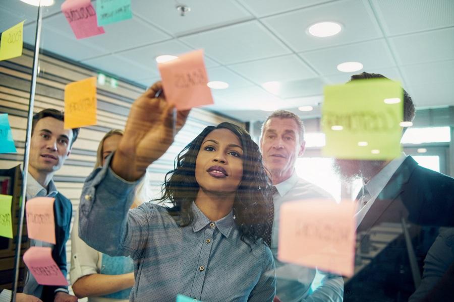 Post-its, Kreativtechniken, Brainstorming, Design Sprint, Visualisierung, Führung, Personalführung, Unternehmensführung, moderne Unternehmensführung, Führungskultur