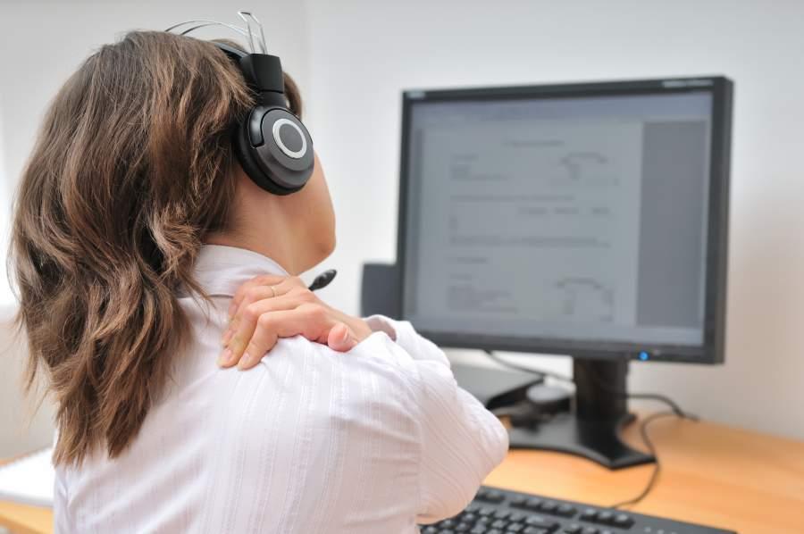 Arbeitsplatz, Schreibtisch, Nackenschmerzn, Verspannung, Gesundheit am Arbeitsplatz