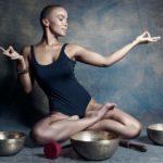 Klangschalen, Yoga, Achtsamkeit, Interview, Luna, Tantramassage, Massagestudio Sensual Being, Massage Berlin und Zürich, Portrait