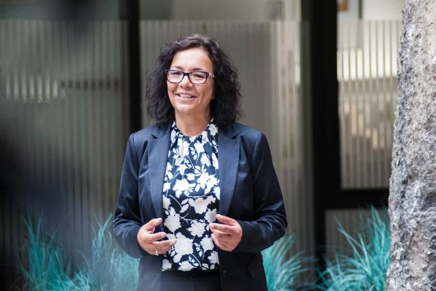 Ulrike Knauer, Vertriebsexpertin, Speakerin, optimale Verkaufs-Vorbereitung, Recherche, Verhandlungstisch, Verhandlungspartner, Menschenkenntnis, Verhandlungs-Vorbereitung