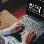 Home Shopping, Frau, Laptop, Online Shopping Black Friday, Tipps für den Black Friday 2017