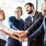 Diversität, Einer für alle, alles für einen, Gruppe, Männer, Frauen, Geschäftsalltag,Team, Teamgeist, Teamwork, Arbeitsalltag, Motivation, Mitarbeiter richtig motivieren