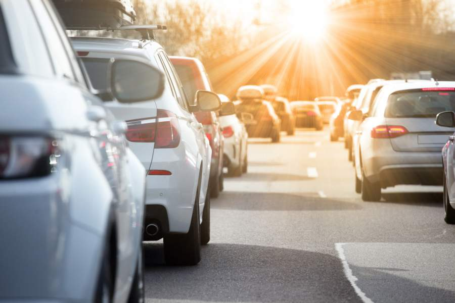 Autos, Straße, Sonnenlicht, Stau, Gasse, Jahreswechsel, Autobahn, Straßenverkehrsordnung, stvo, Straßenverkehrs-Änderungen 2018