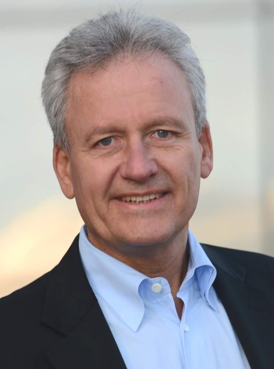 Peter Schreiber, Managementberatung, Vertriebsberatung, Profilbild, web aided selling, Verkäuferaufgabe, verkaufen im digitalen Zeitalter