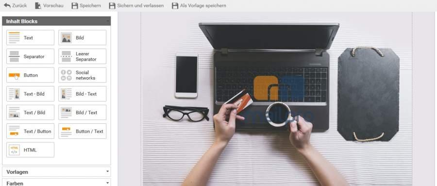 Laptop, Kreditkarte, Tasse, Brille, Smartphone, Schreibtisch, visueller Editor, Inhalt Blocks, Elemente anordnen, Newsletter erstellen, Einstieg in Newsletter Marketing
