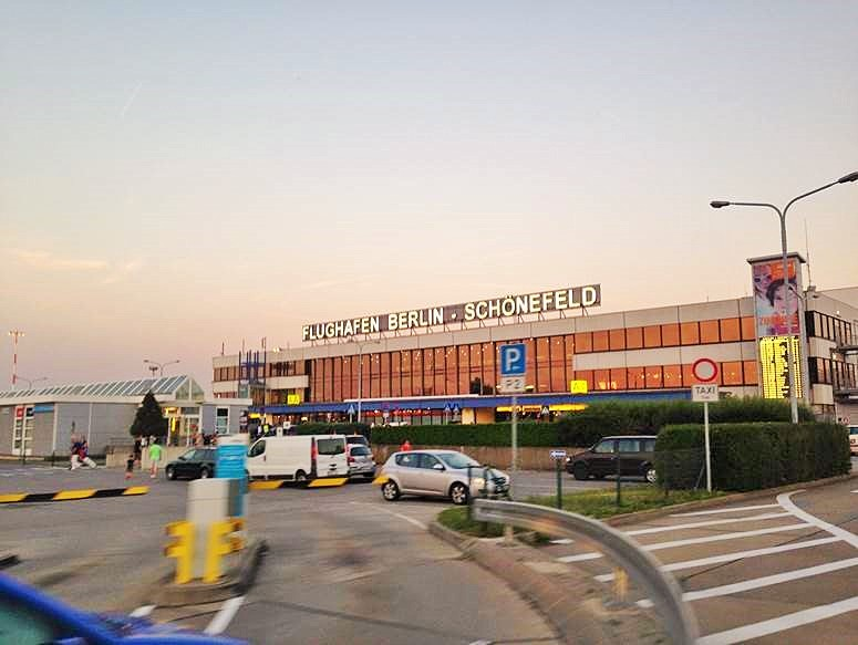 Flughafen BER Schönefeld, EKs Parken, Parkplatzservice, Sicher abheben, Sicher parken