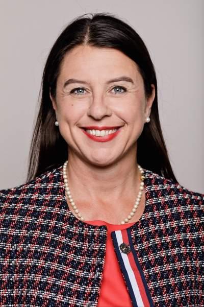 Dr. med. Vanessa Conin-Ohnsorge, IV Bodenheim, Healthcare e.V., Profilbild, Frauen in Führungspositionen, Frauenkarriere, Karriereboost für Frauen, Erfolgsfaktor Partnerschaft, wie der