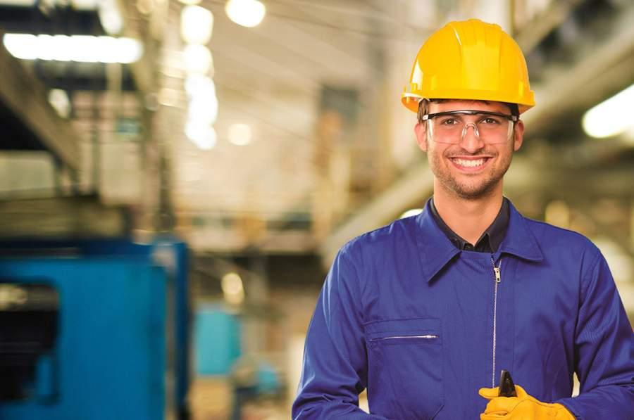 SafeStart Europe, Christoph Schröder, Arbeitssicherheit, Interviewreihe, Arbeitssicherheit in Unternehmen verbessern, Sicherheitsmanagement, SafeStart Germany, Sicherheitsgewohnheiten, sicherheitsrelevante Gewohnheiten, Arbeitssicherheit, Sicherheit am Arbeitsplatz, Betriebssicherheit, Sicherheitskultur verbessern, Sicherheitsbewusstsein stärken, Bewusstsein für Sicherheit verbessern, Unfallquoten senken, Unfallzahlen reduzieren, Unternehmenszahlen verbessern, Geschäftszahlen verbessern, kritische Fehler vermeiden, kritische Fehler verhindern, einen positiven Kulturwandel im Unternehmen umsetzen, Mitarbeiterengagement fördern, Mitarbeitereinsatz fördern, Mitarbeiter motivieren, Sicherheit 24/7, rund um die Uhr Sicherheit, sichere Verhaltensweisen, sicheres Verhalten erlernen, universelle Sicherheitsfähigkeiten erlernen, sicherheitsrelevante Fähigkeiten für die Familie, Sicherheitsfähigkeiten für die ganze Familie, sicheres Verhalten für Kinder, sicherheitsrelevante Fähigkeiten für jedermann, Sicherheitsfähigkeiten für alle, Sicherheitstraining für Mitarbeiter, Sicherheit für das ganze Unternehmen, sicherheitsrelevante Fähigkeiten für alle Mitarbeiter, Mitarbeiterverhalten sicher machen, operative Effizienz verbessern, organisatorische Effizienz verbessern, bessere operative Performance erreichen, Qualität verbessern, sicherheitsrelevante Gewohnheiten, sicherheitsrelevante Verhaltensweisen, Risikomuster, Risikoabschätzung, Gefährdungsabschätzung, High Performance gewährleisten, Top-Performance im Unternehmen erreichen, kritische Zustände, kritische persönliche Verfassung, kritische Entscheidungen, kritische Fehler vermeiden, wie Verletzungen passieren, Verletzungen vermeiden, wie man Verletzungen verhindern kann, Unfälle verhindern, wie man Unfälle vermeiden kann, menschliches Versagen reduzieren, menschlichem Versagen vorbeugen, gegen menschliches Versagen vorgehen, Strategie gegen menschliches Versagen, Unfälle reduzieren, Verletzungen reduzieren, Sicherheitsfertig
