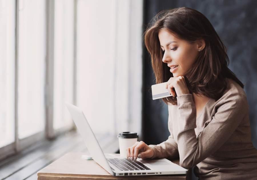 agitano, kredite, darlehen, woman, frau, laptop