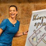 Körpersprache-Trainerin Yvonne de Bark mit Flipchart im Vortrag