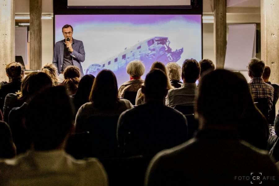 Unternehmensberater und Autor Gerald Moser beim Vortrag